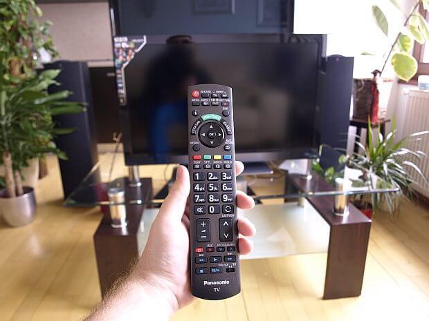 Panasonic TX L32E30E 3