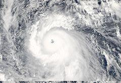 Haiyan 2013 11 07 0420Z