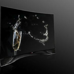 LG S OLED TV 2