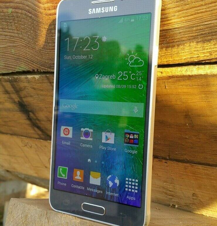 Samsung Galaxy Alpha recenzija 3