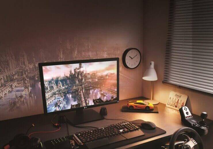 LG 27MU67 4K Monitor 4.resized