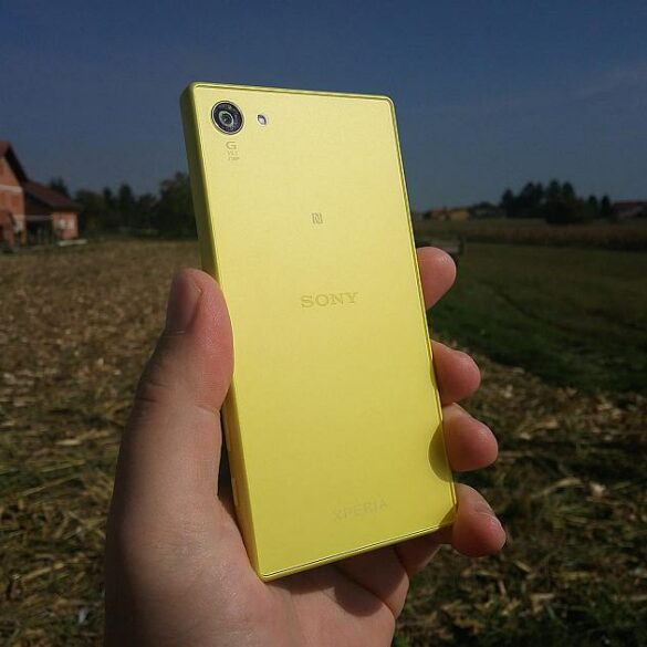 Sony Xperia Z5 Compact 11