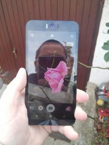 Asus Zenphone Selfie 14