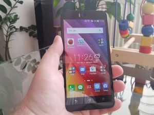 Asus Zenphone Selfie 17