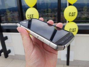 CAT mobiteli 10