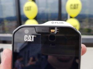CAT mobiteli 12