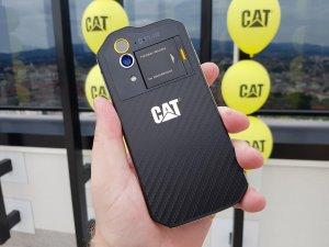 CAT mobiteli 8
