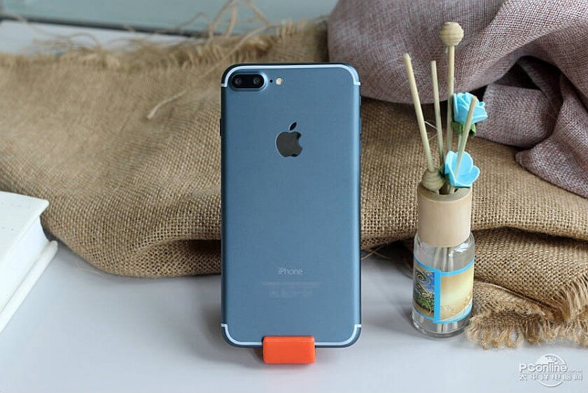 Apple iPhone 7 7