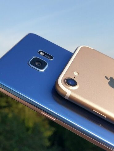 Samsung Note7 vs iPhone 7 2