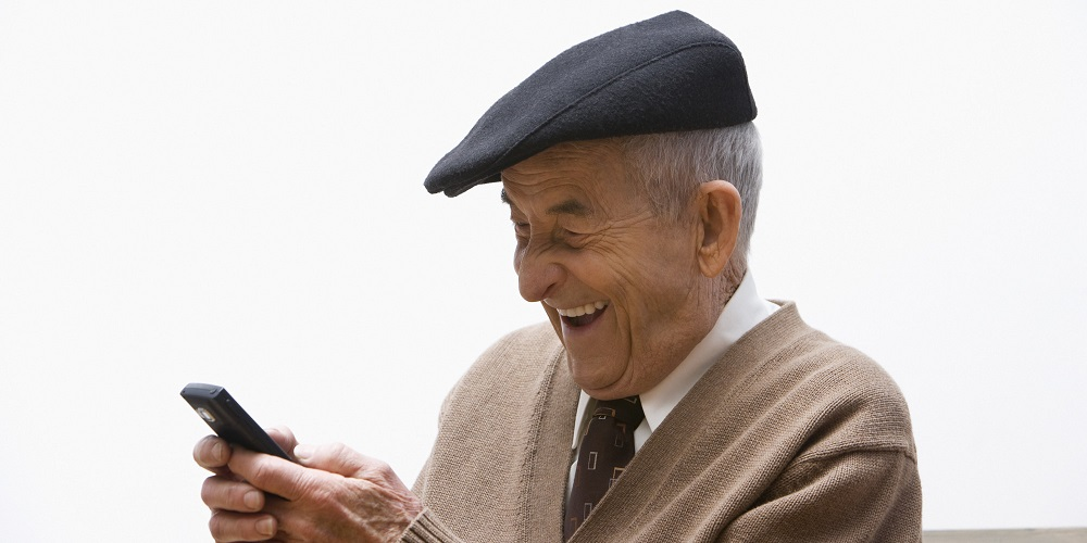 a378b3b446d992fc71fa662d384aae82 the 15 best texts grandparents older people texting cell phone clipart 2000 1000
