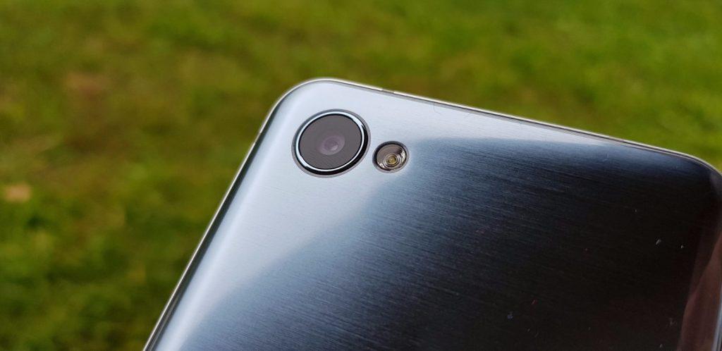 LG Q6 14