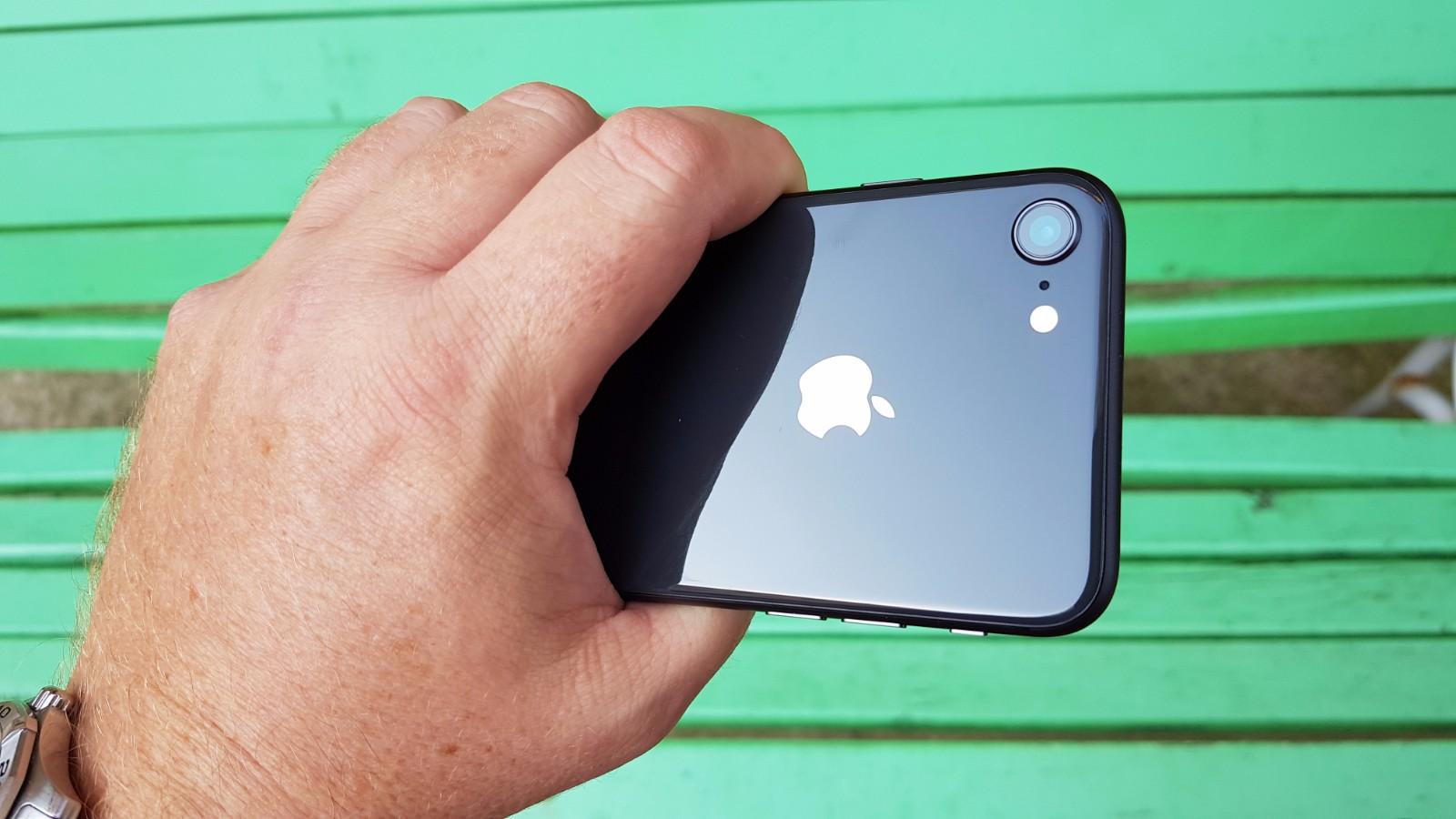 iPhone 8 12