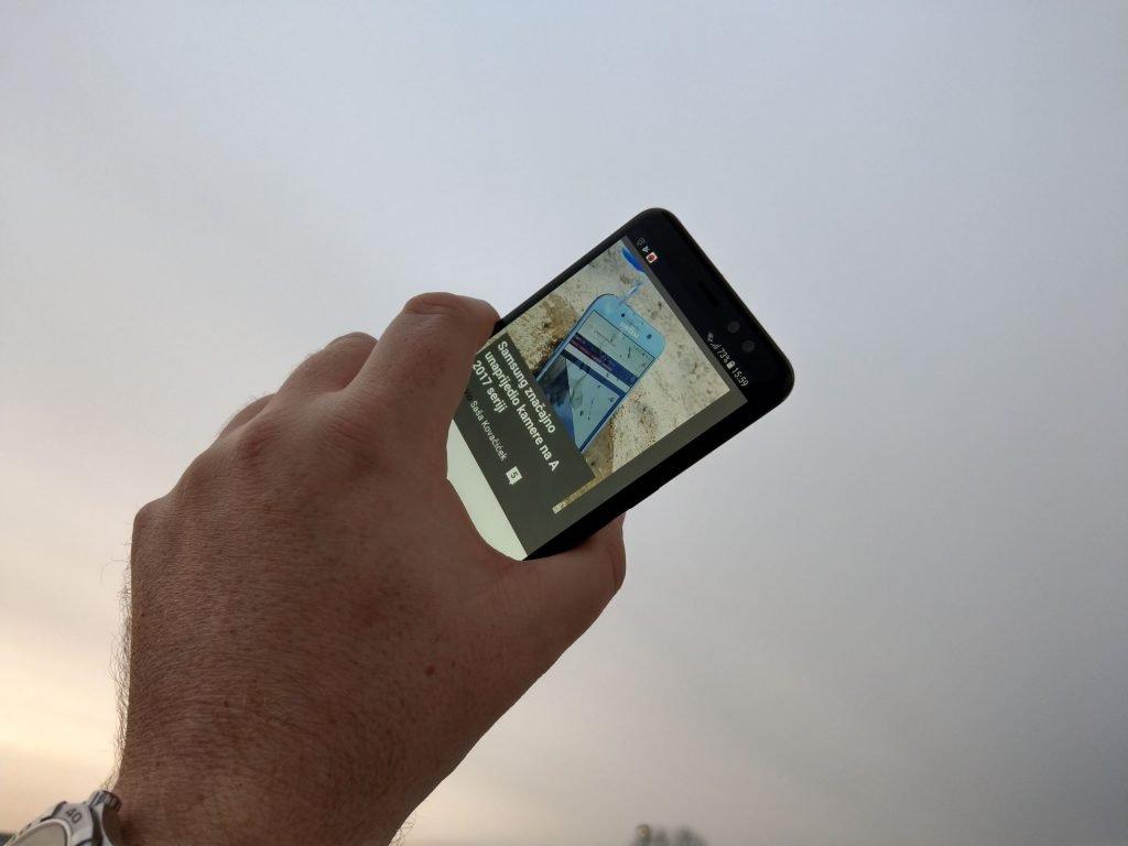 Samsung A8 2018 4