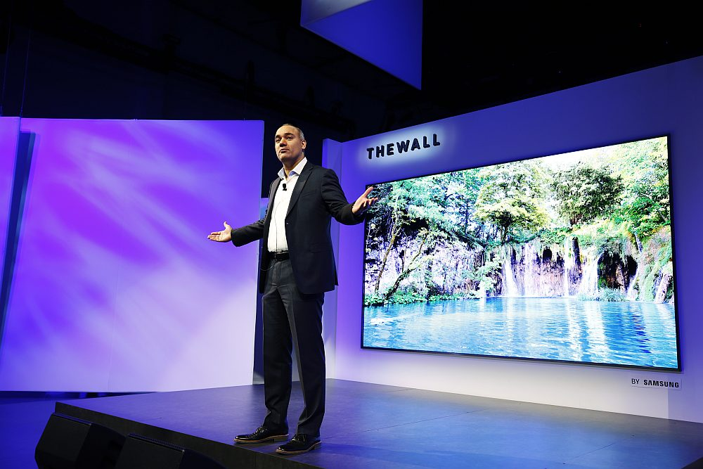 The Wall Modular MicroLED 146 inch TV 1 1