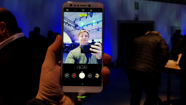 Asus Zenfone 5 Lite 4