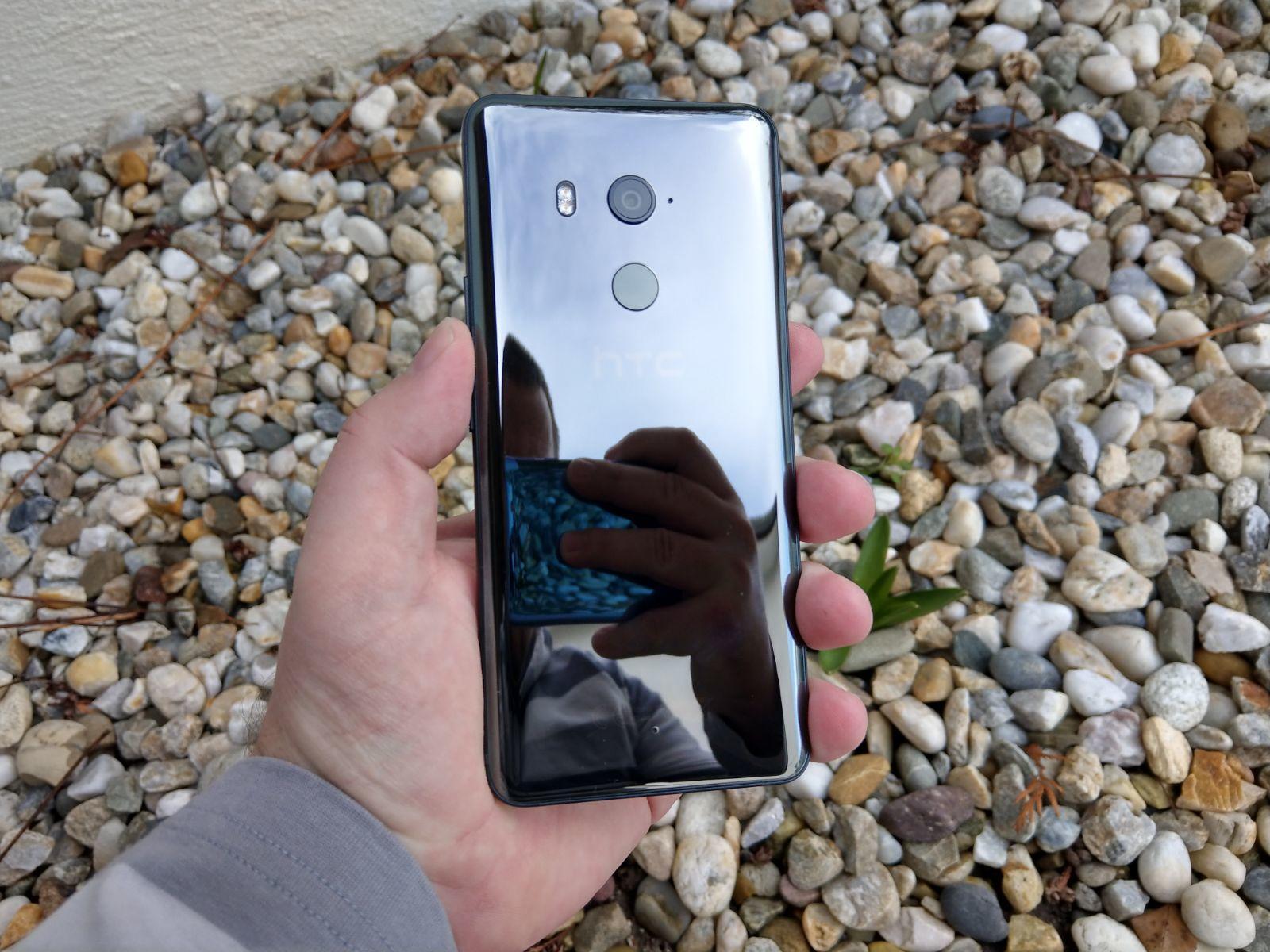 HTC U11 Plus 3
