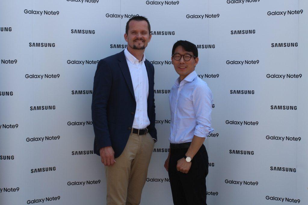 Hojun Hwang predsjednik Uprave regionalnog predstavništva tvrtke Samsung i Pavle Zobundžija direktor odjela telekomunikacija u regionalnom predstavništvu Samsung Electronicsa