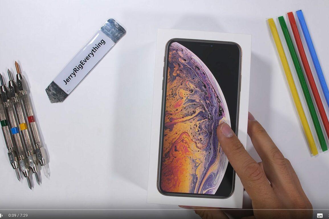 iphone xcs crash test 1