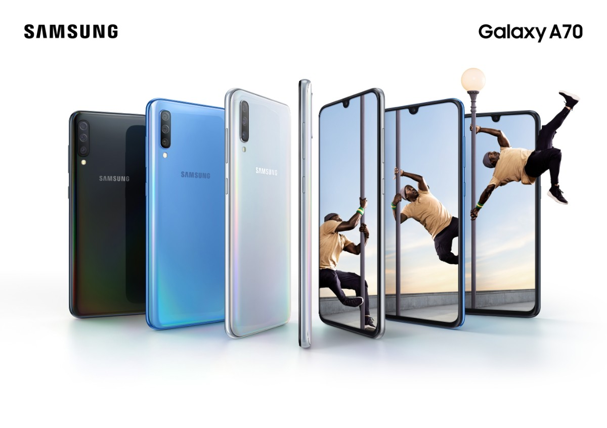 Galaxy A70 Lifestyle KV combo blackbluewhite 2P