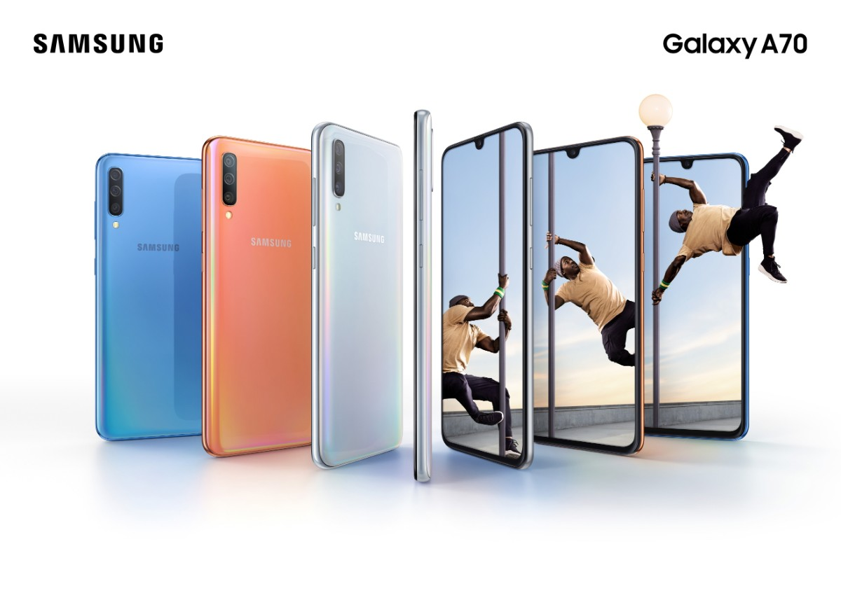Galaxy A70 Lifestyle KV combo bluecoralwhite 2P