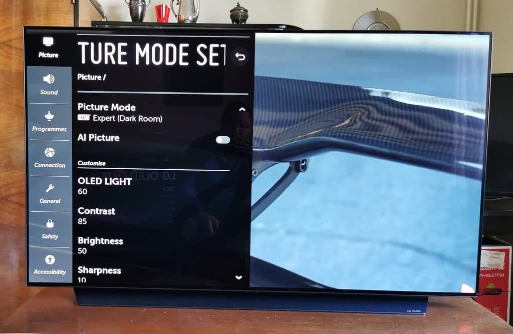 LG OLED55C9 6