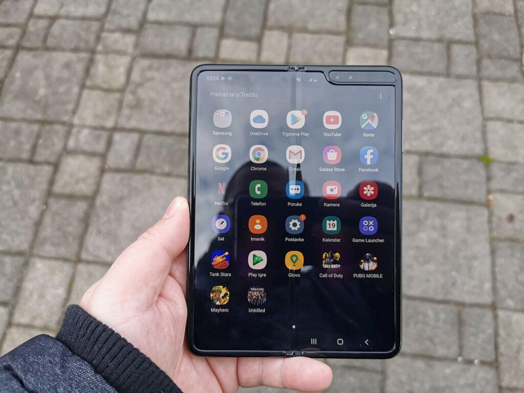 Samsung Galaxy Fold 10