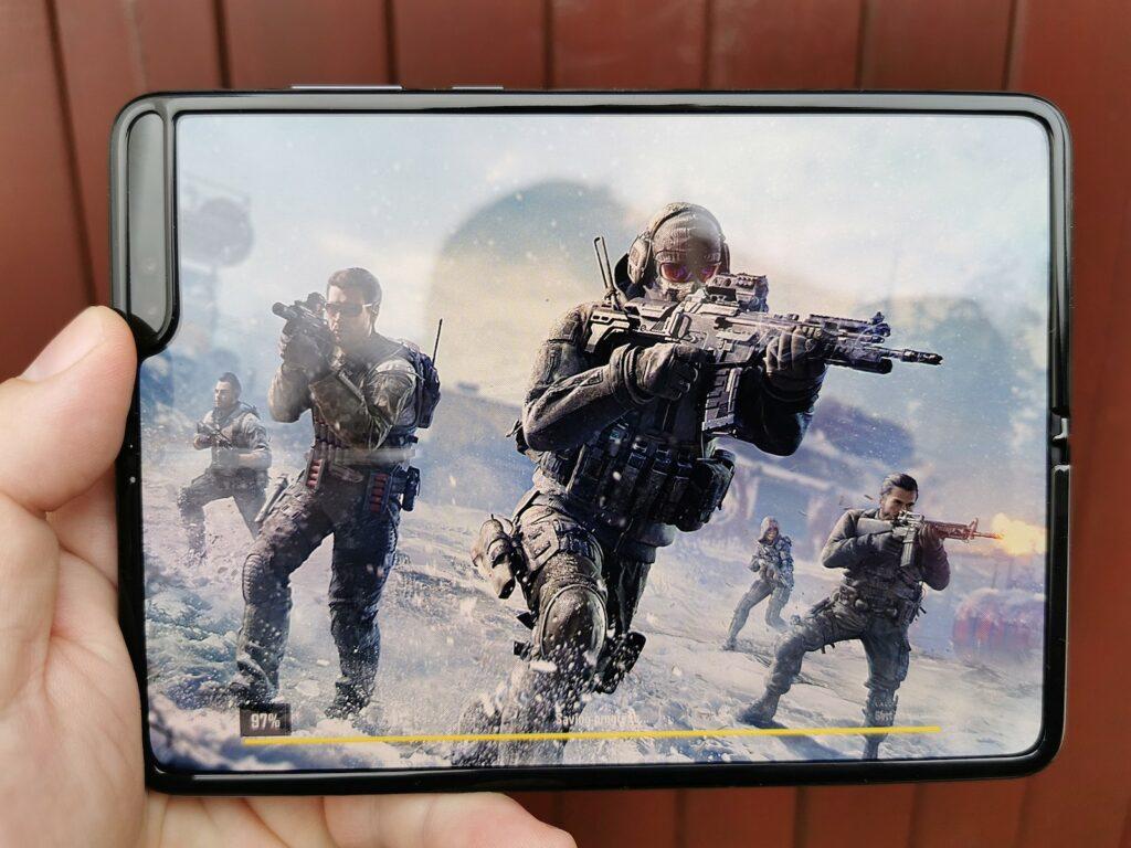 Samsung Galaxy Fold 12