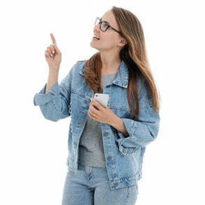 Djevojka s mobitelom 2