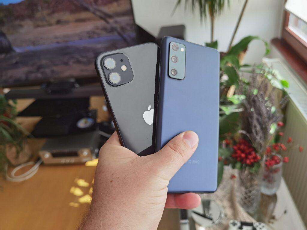 Samsung Galaxy S20 FE vs iPhone 12 3