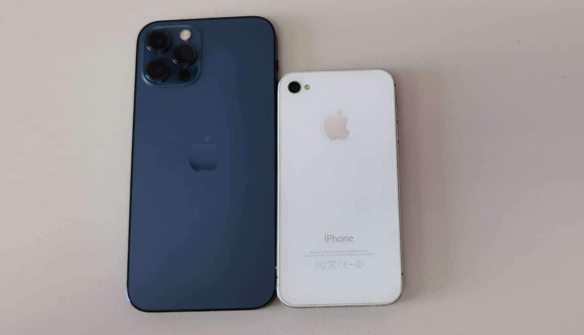 Apple iPhone 12 Pro iPhone 4S