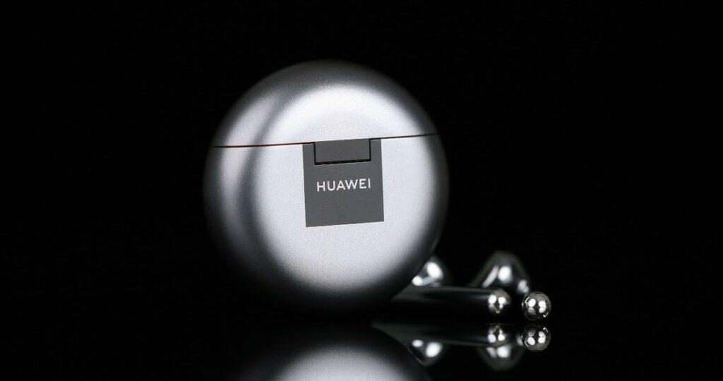 Huawei FreeBuds 4 04